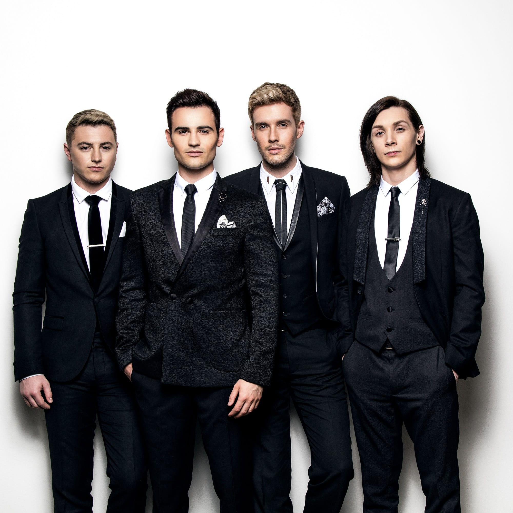 Collabro to Support Legendary Singer On Summer Tour