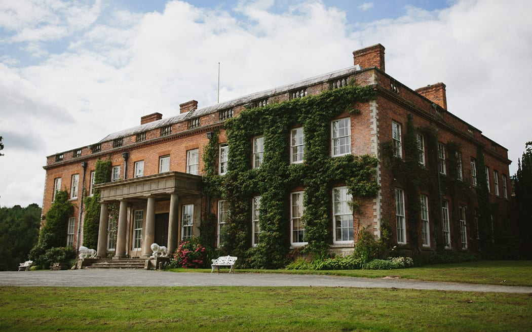 HISTORIC SHROPSHIRE HALL CELEBRATES ANNIVERSARY WITH SIR CLIFF