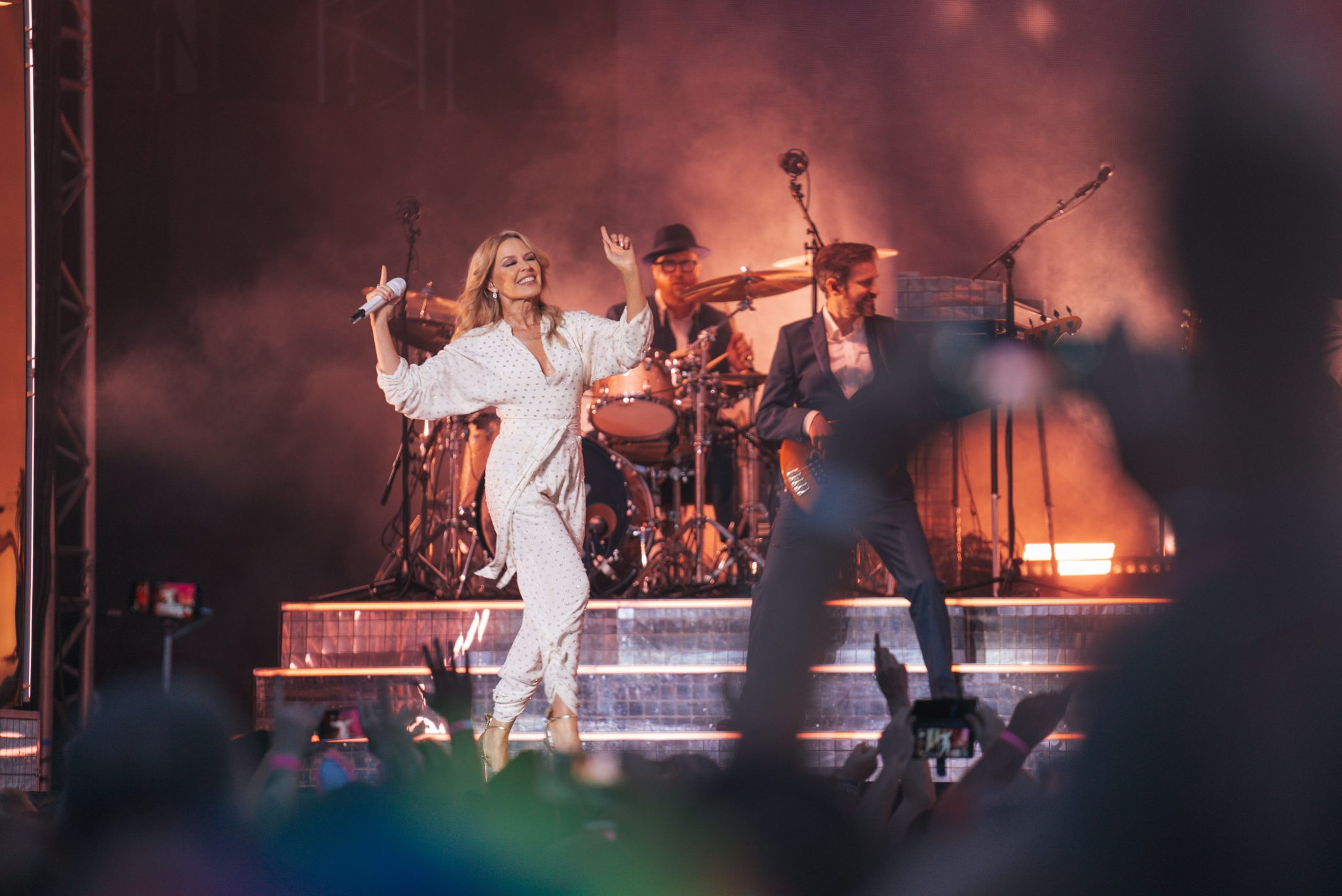 Pop legend Kylie dazzles on Yorkshire coast